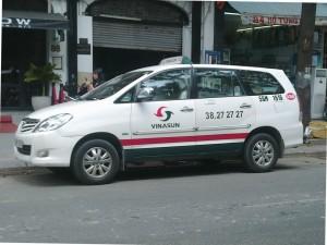 Compania_taxi_Vietnam_vinasun